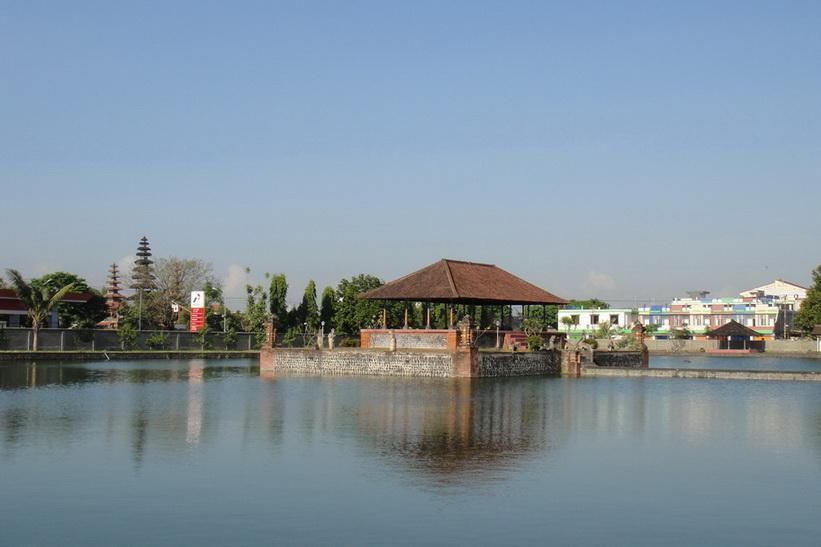 Lombok, Mataram 18